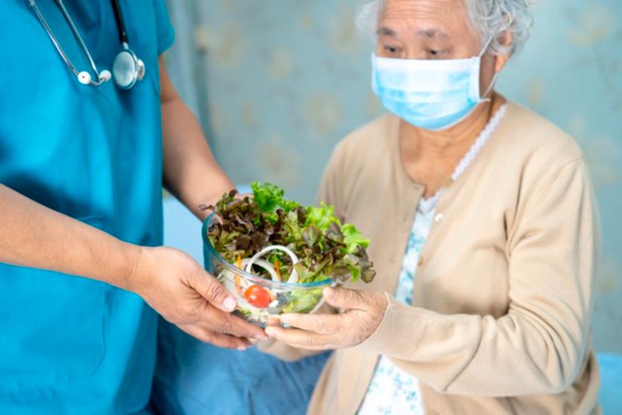 Imagem da notícia NUTRIÇÃO NO PACIENTE HOSPITALIZADO POR COVID-19